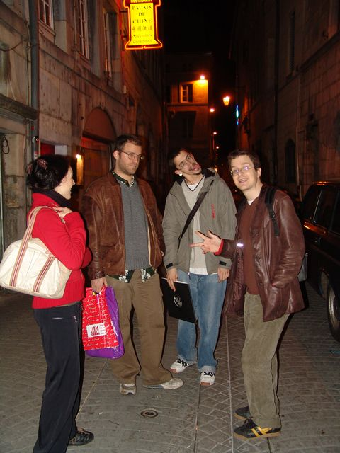 friday night in besancon : drine, IAR, Guigui and I.